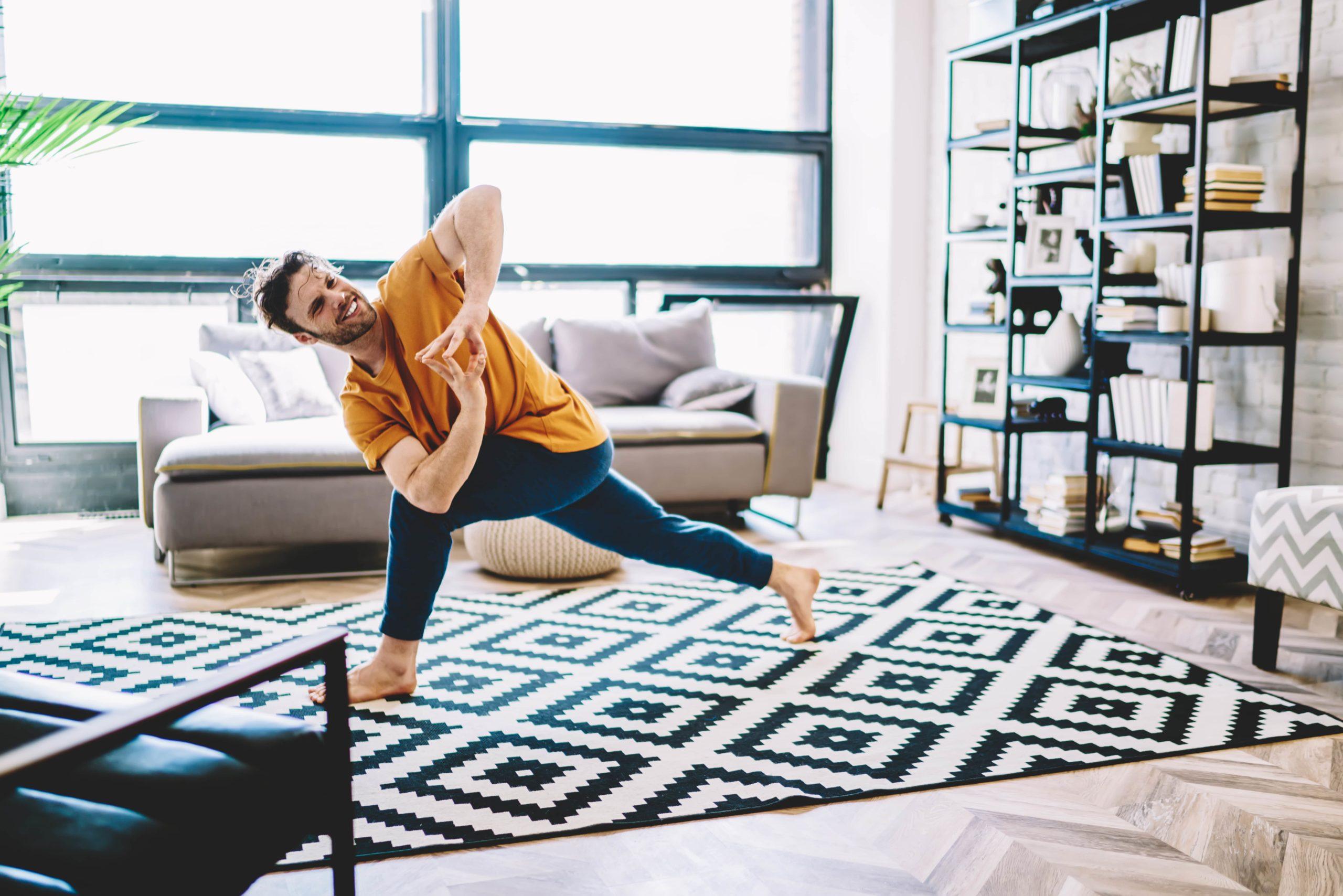 7 beneficios de practicar yoga desde tu departamento en kyo constella